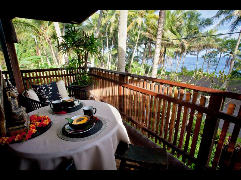 The bali house cottage at kehena beach for Cottage bali
